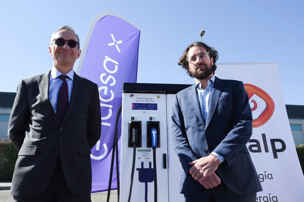 Endesa inaugura el primer punto de carga rápida en una gasolinera de Galp